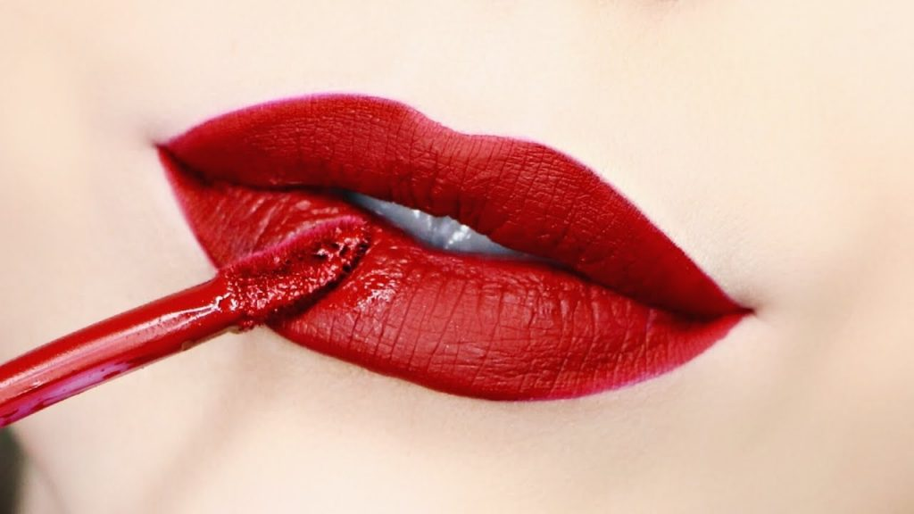 How To Apply Liquid Lipstick Perfectly 2