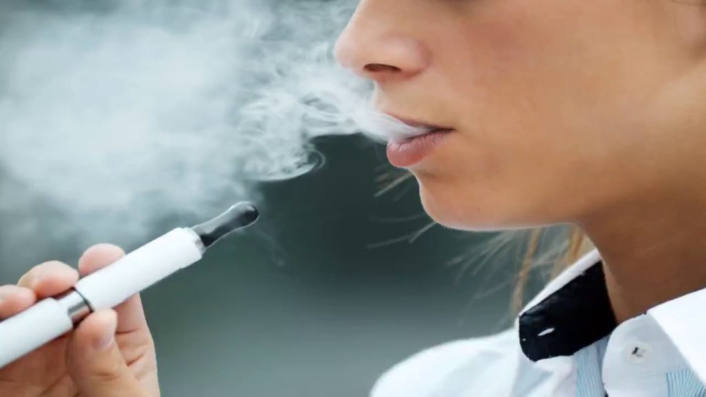 Vaping death investigators warn NO e-cigarettes are safe - as industry tries to blame illegal vapes 2